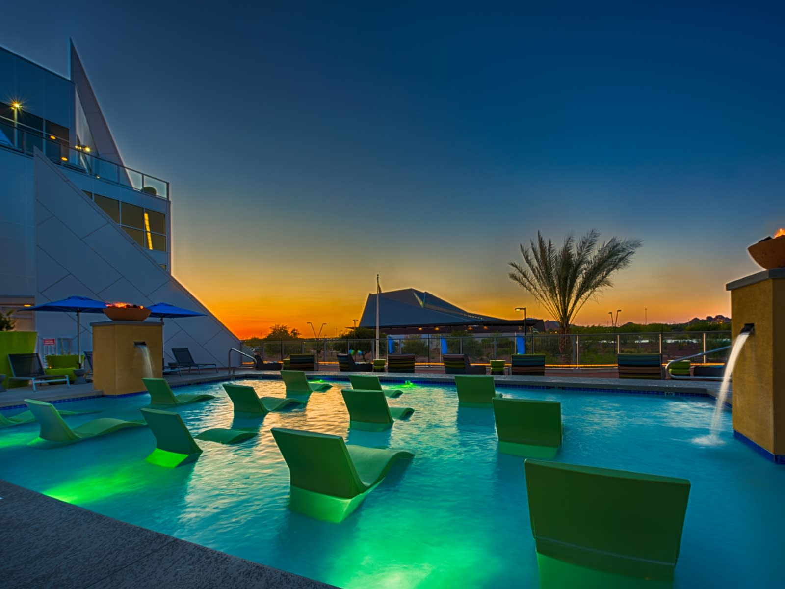 Apartments in Tempe - Skywater at Town Lake Sparkling Pool with Underwater Seating Area