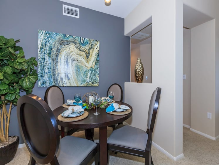 Dining Area at Meridian Place, Northridge, CA, 91324