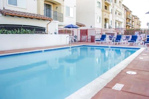 Pool with Custom Steps at Le Blanc Apartment Homes, Canoga Park, CA, 91304