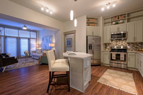 Living space at 1160 Hammond Apartments in Sandy Springs, GA