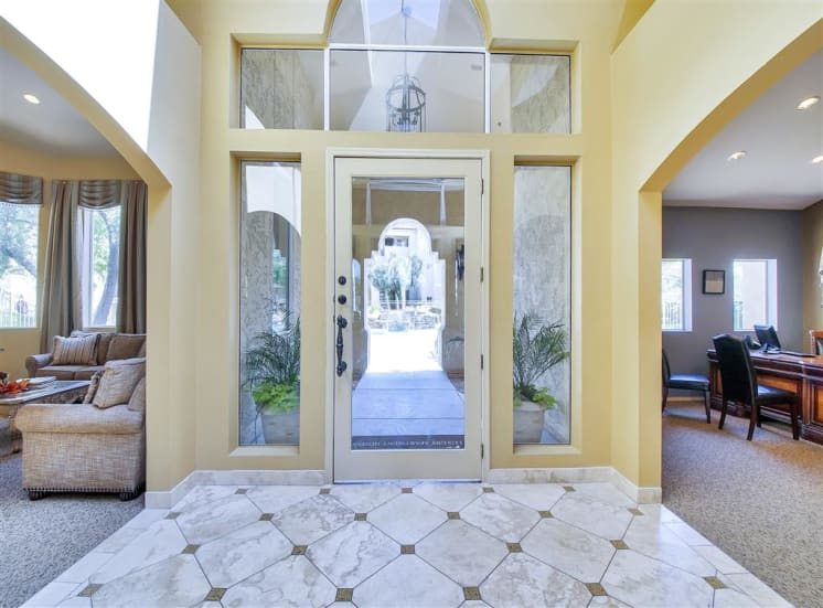 Entry foyer at Ventana Apartment Homes in Central Scottsdale, AZ, For Rent. Now leasing 1 and 2 bedroom apartments.