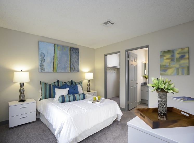 Spacious Bedroom With en Suite Bathroom And Closet, at The Bristol at Sunset, Henderson, 89014