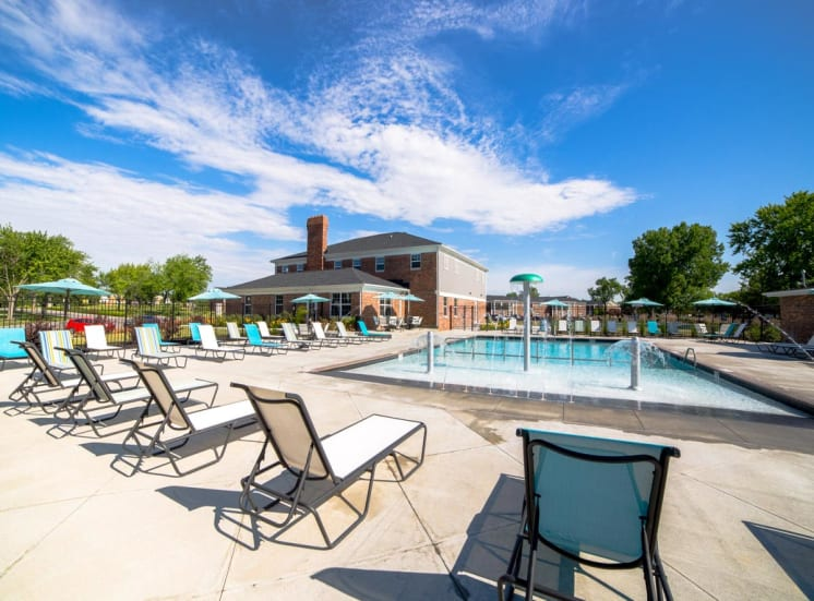 Gramercy Apartments Carmel Indiana, 945 Mohawk Hills Dr Carmel IN, 1 bed, 2 bed, 3 bed, townhome, carmel apartments, apartments carmel indiana, pool, sundeck, splashpad, swimming pool