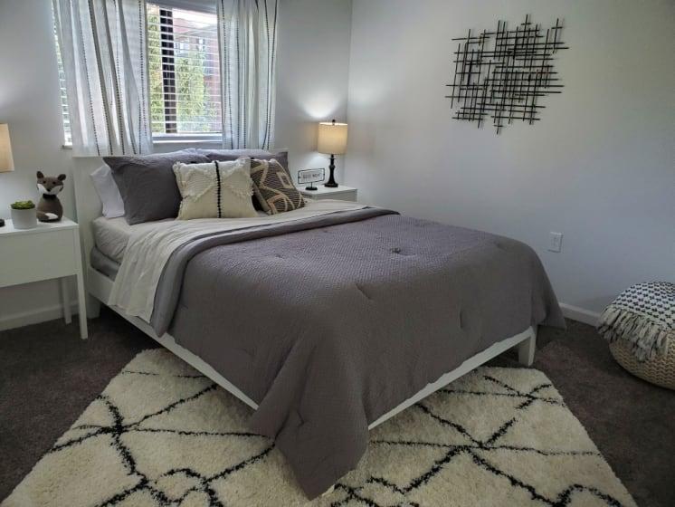 Large Master Bedroom w/Private Vanity