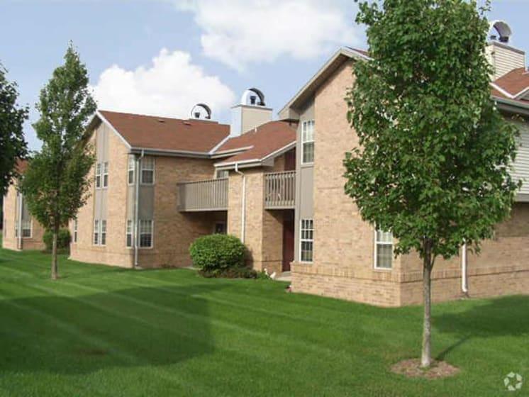 Lush Green Courtyard at Deer Run Apartments, Brown Deer, 53223