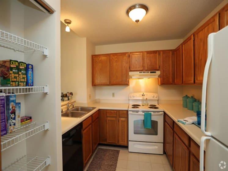 Kitchen Facilities at Deer Run Apartments, Brown Deer