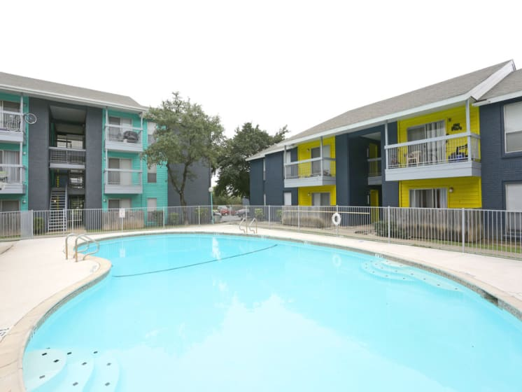 live oak apartments for rent pool