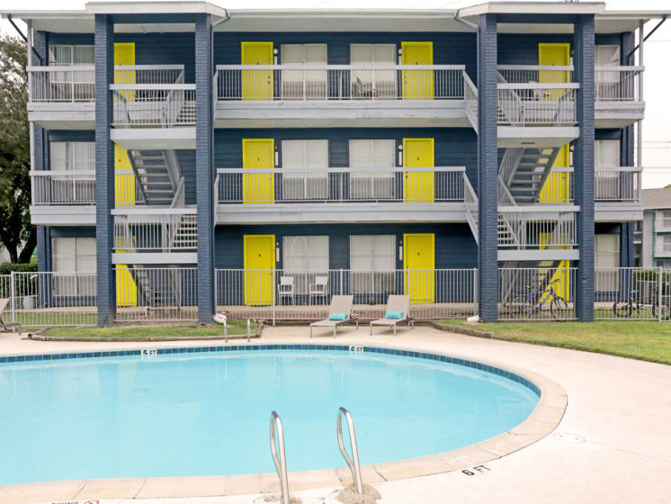 live oak apartments for rent exterior
