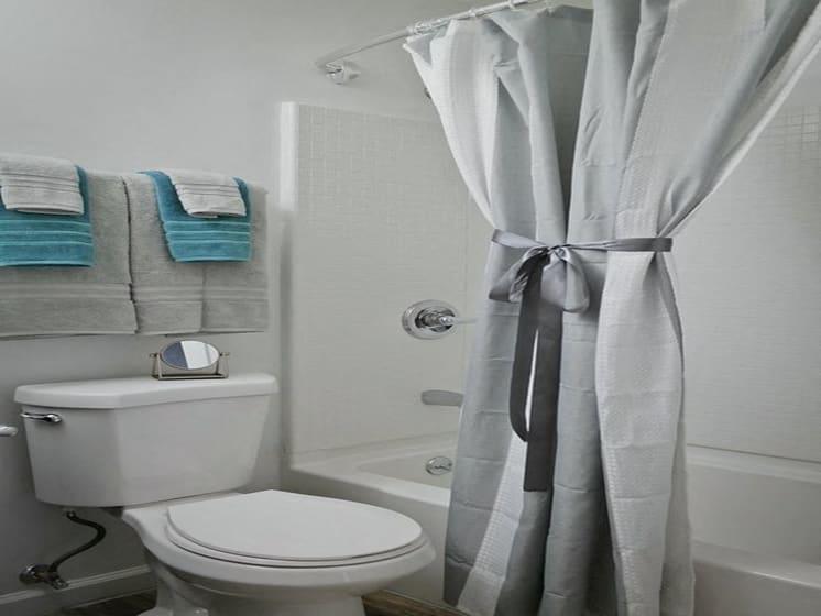 Bathroom With Bathtub at Fox Run, Dayton