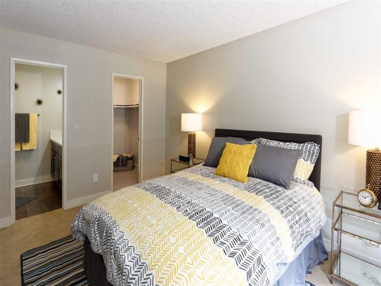 Spacious Bedrooms with en Suite Bathrooms at The Verandas Apartments, California, 91791