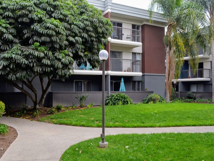 Meandering Pathway at Madison Park Apartment Homes, 2235 W Broadway, Anaheim