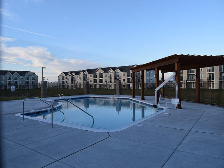 Outdoor Resort Style Pool at Stoney Pointe Apartment Homes, Wichita, 67226