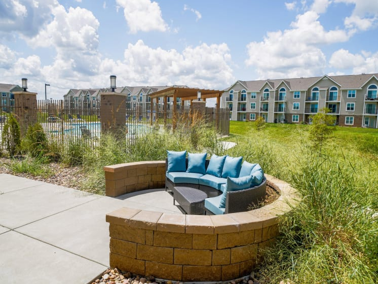 Outdoor Lounge Area at Stoney Pointe Apartment Homes, 6722