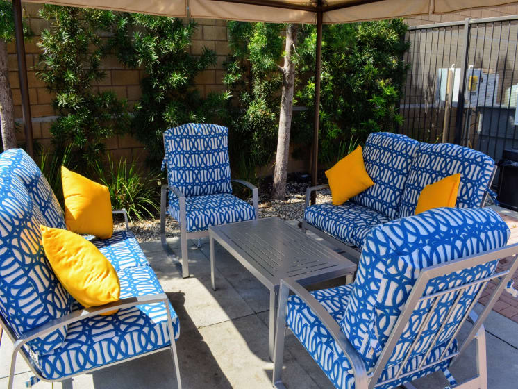 Chairs near Grill at Union Place Apartments, California, 92870