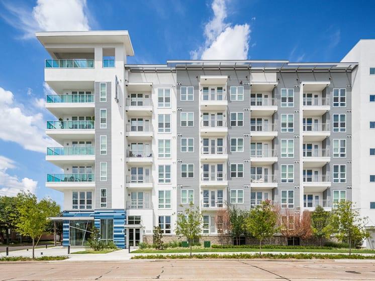 Exterior of Azure Houston Apartments, Texas, 77007