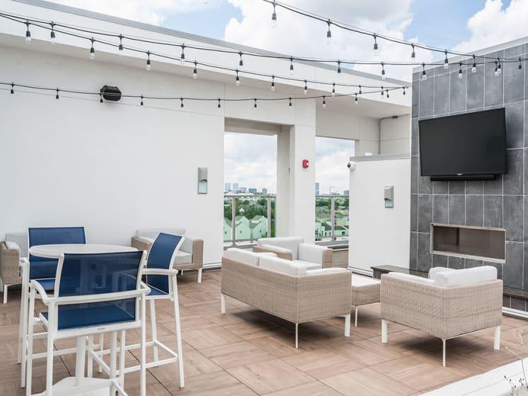 Enjoy Relaxed Lifestyle at Azure Houston Apartments, Houston, Texas