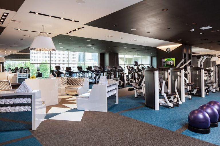 Fitness Center With Modern Equipment at Two Lincoln Tower, Bellevue