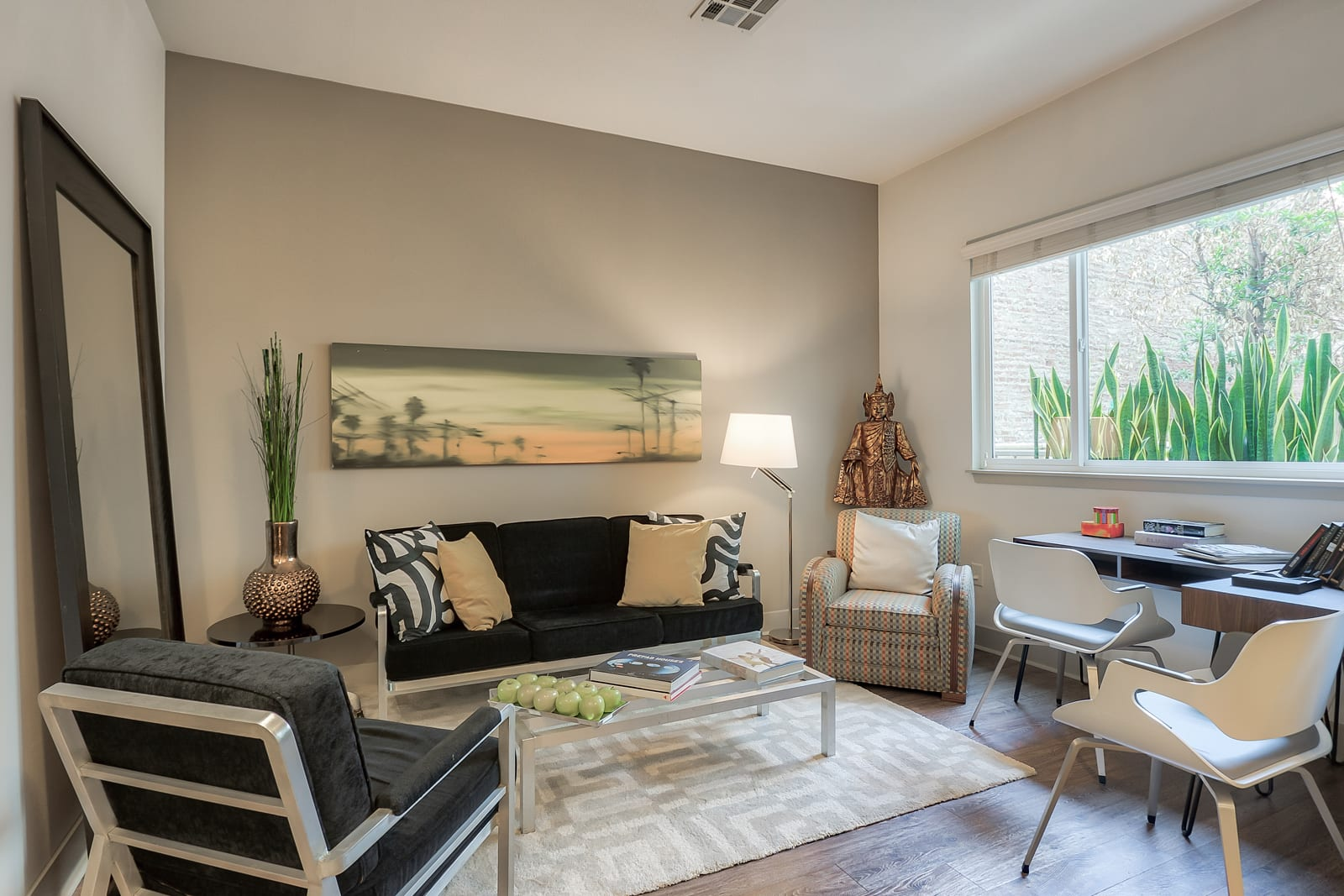 Open Concept Floor Plans at 1000 Grand by Windsor, Los Angeles, CA