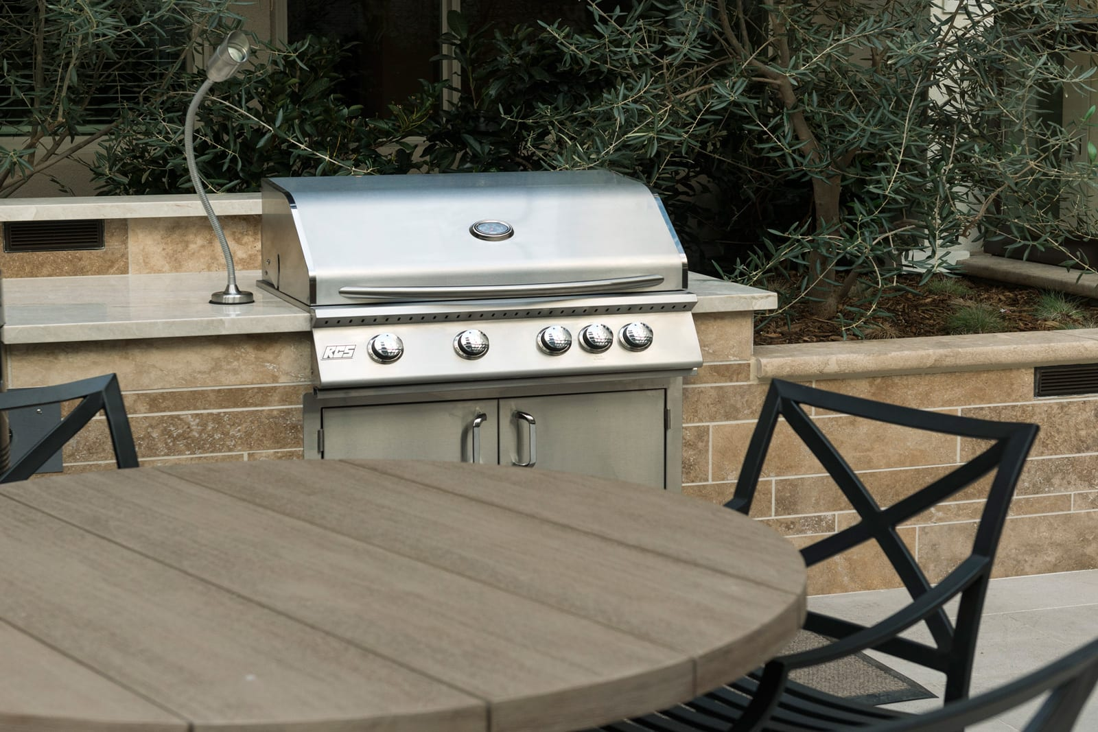 Grilling Station at 1000 Grand by Windsor, 1000 S Grand Ave, CA