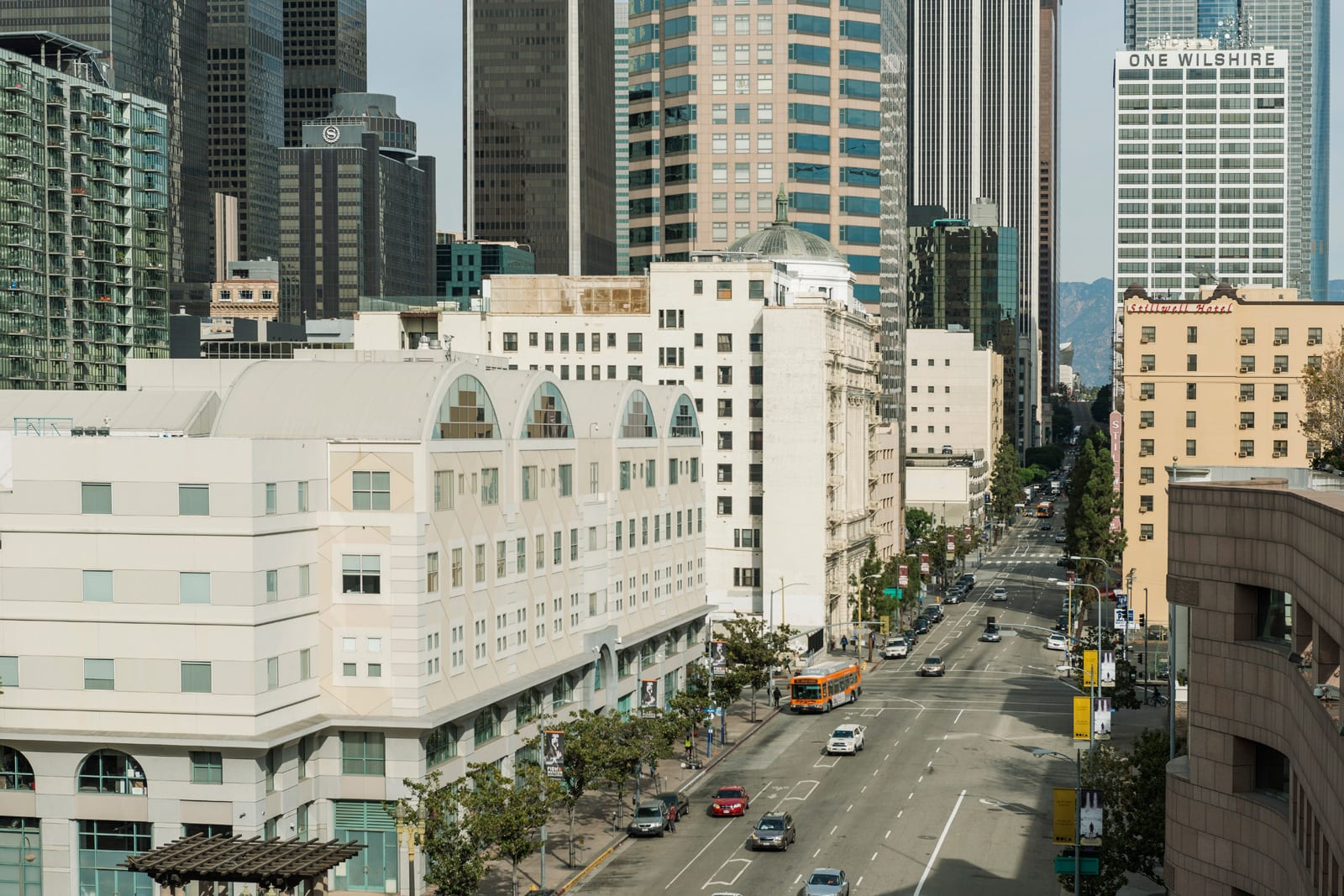 Live in the Heart of LA at 1000 Grand by Windsor, Los Angeles, 90015