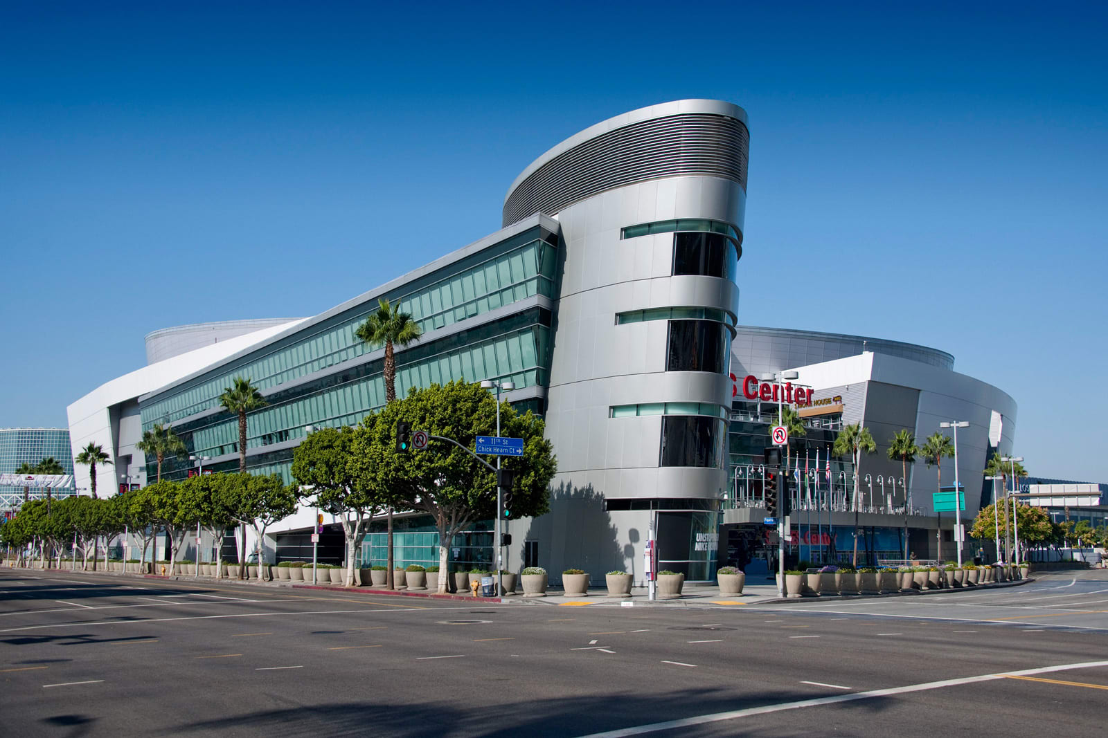 Be Minutes Away From Staples Center at 1000 Grand by Windsor, California, 90015