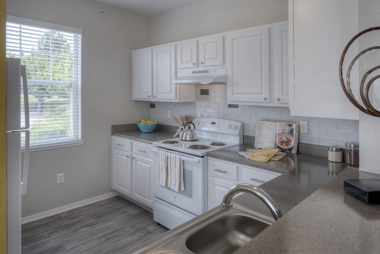 Modern Kitchen at Manzanita Gate Apartment Homes, 2475 Robb Drive, NV