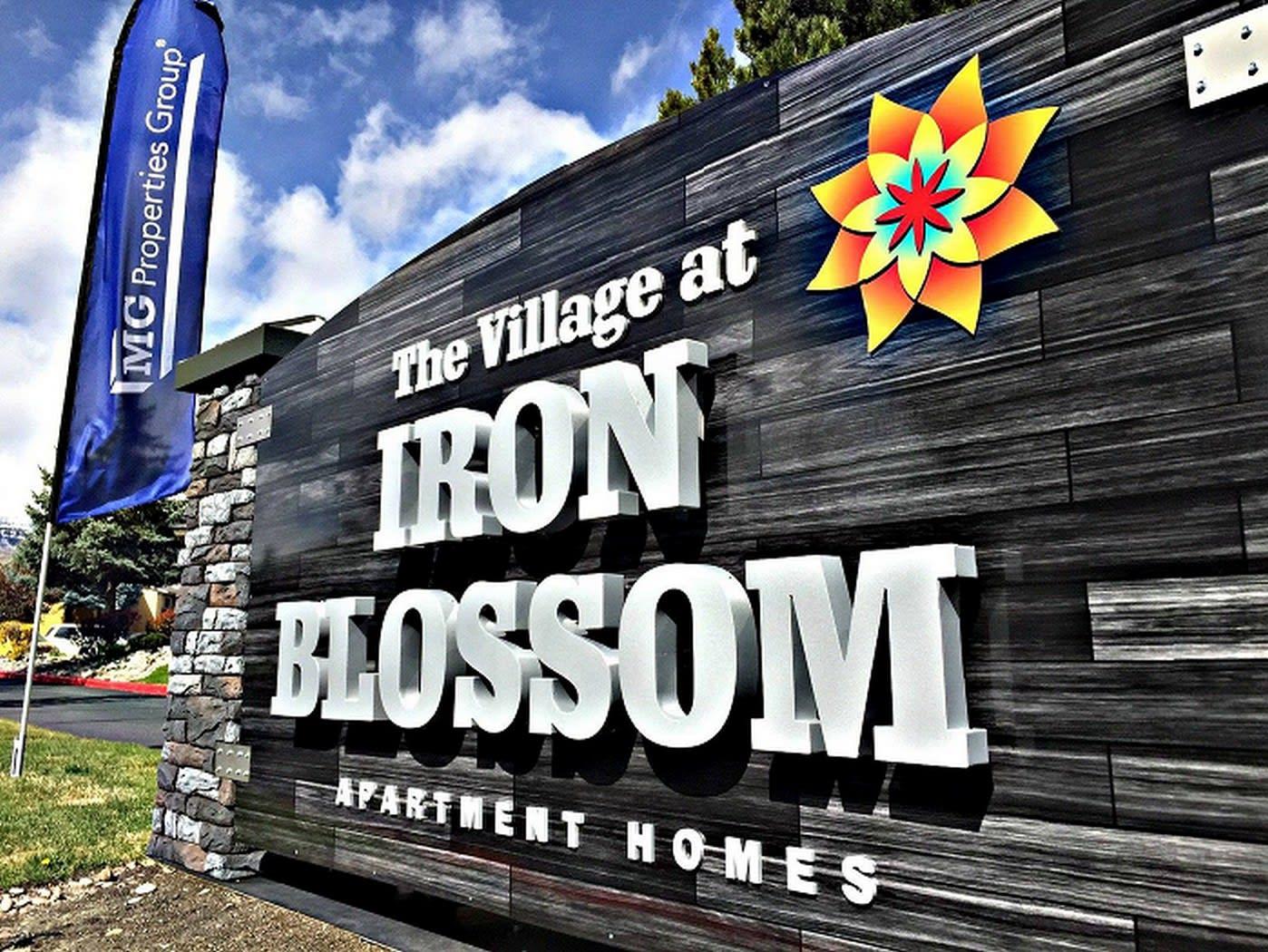Village at Iron Blossom Signs at Village at Iron Blossom Apartment Homes, Reno, NV