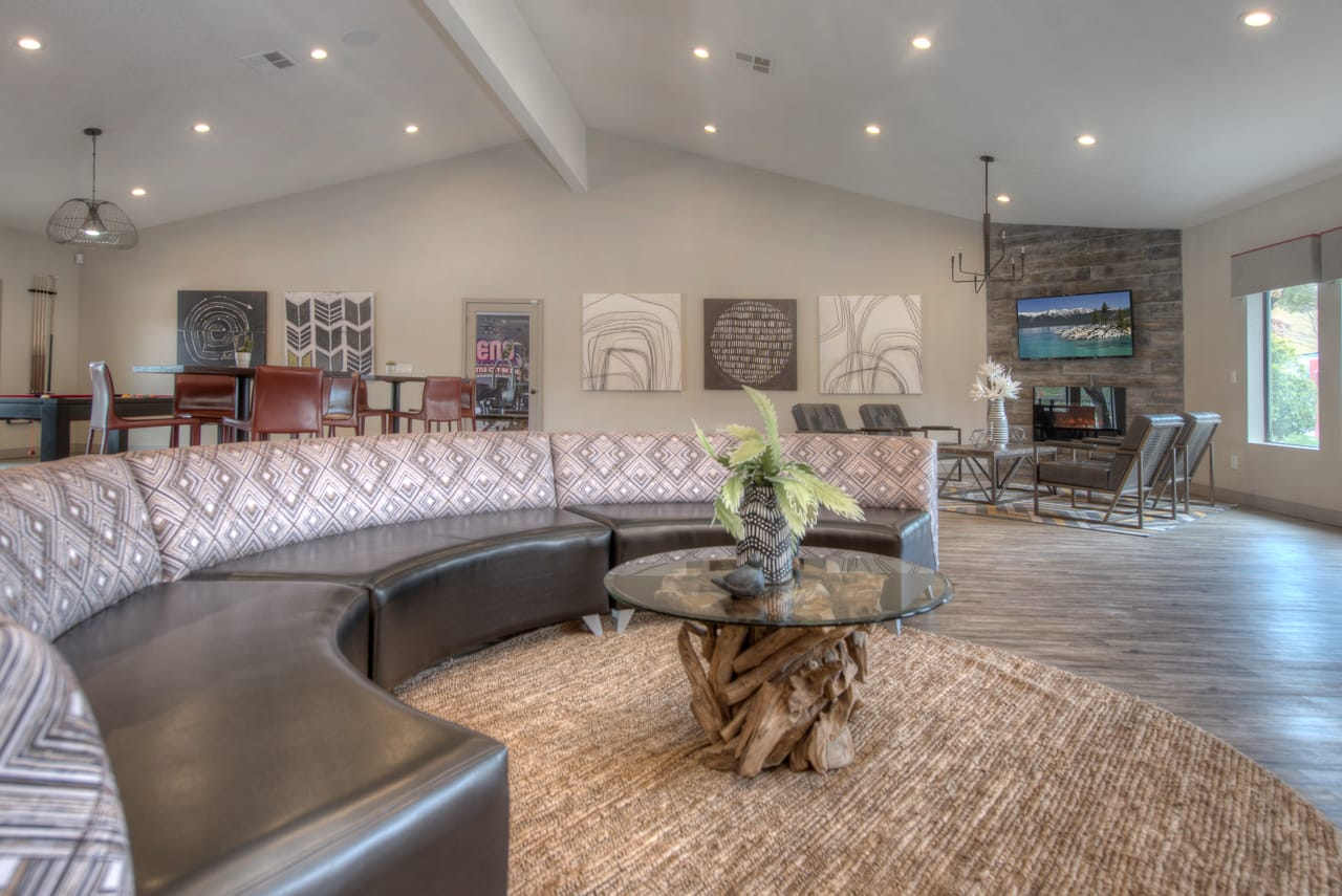 Clubhouse Lounge at Vizcaya Hilltop Apartment Homes, Nevada, 89523