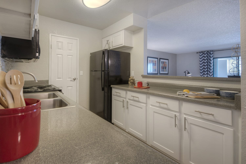 Modern Kitchen With Custom Cabinet at Vizcaya Hilltop, Reno
