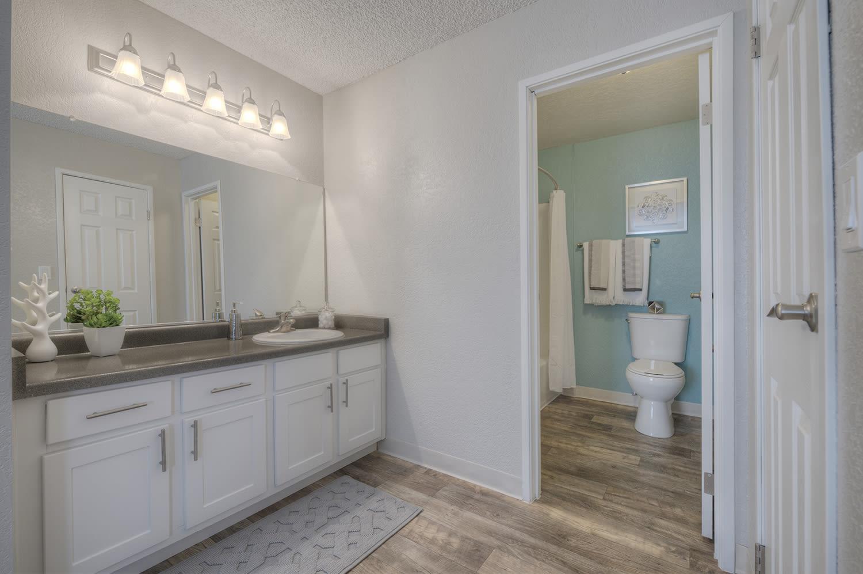 Upgraded Bathroom Fixtures at Vizcaya Hilltop, Nevada, 89523