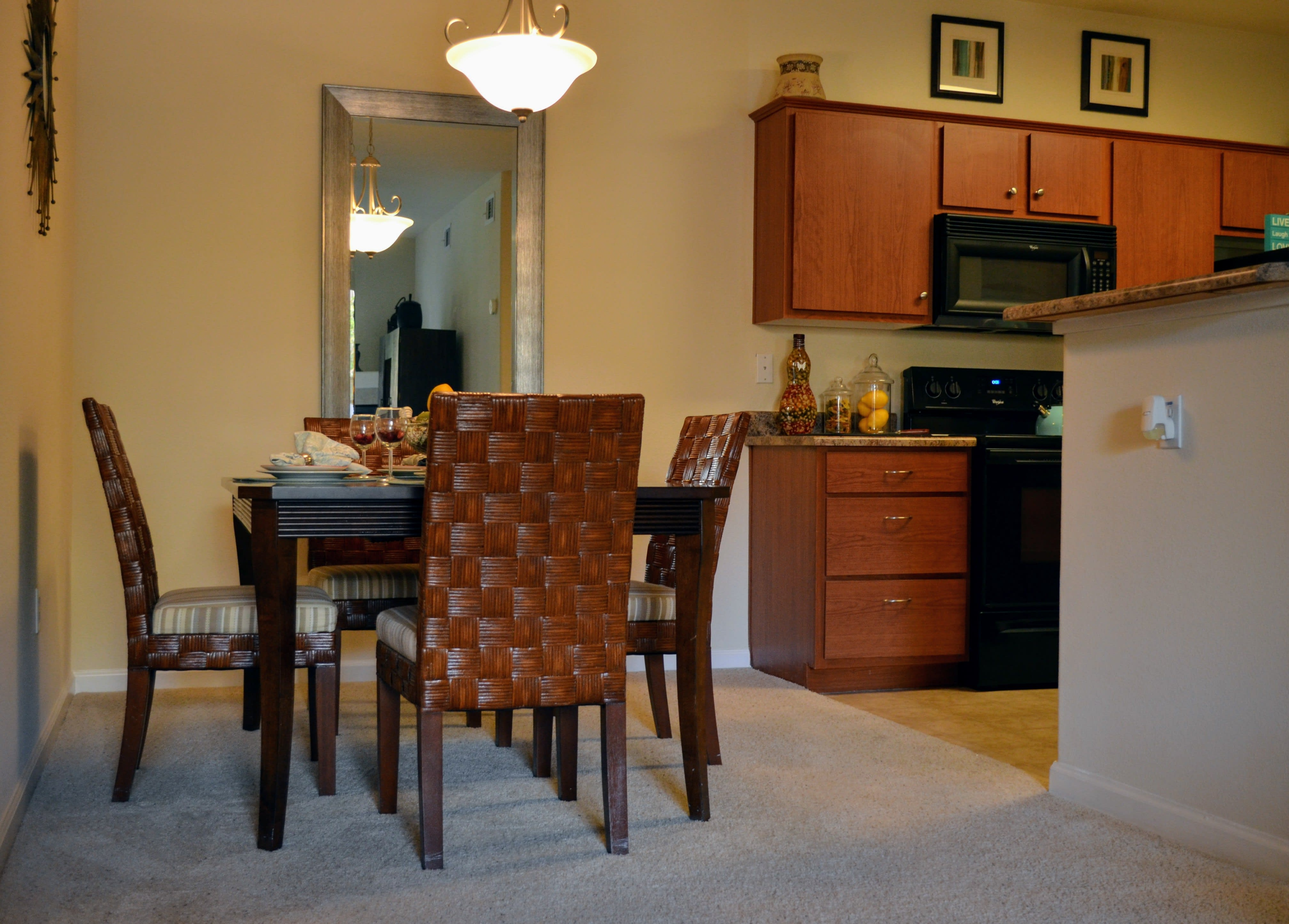 Defined Dining Space at Sterling Village Apartment Homes, Vallejo, 94590
