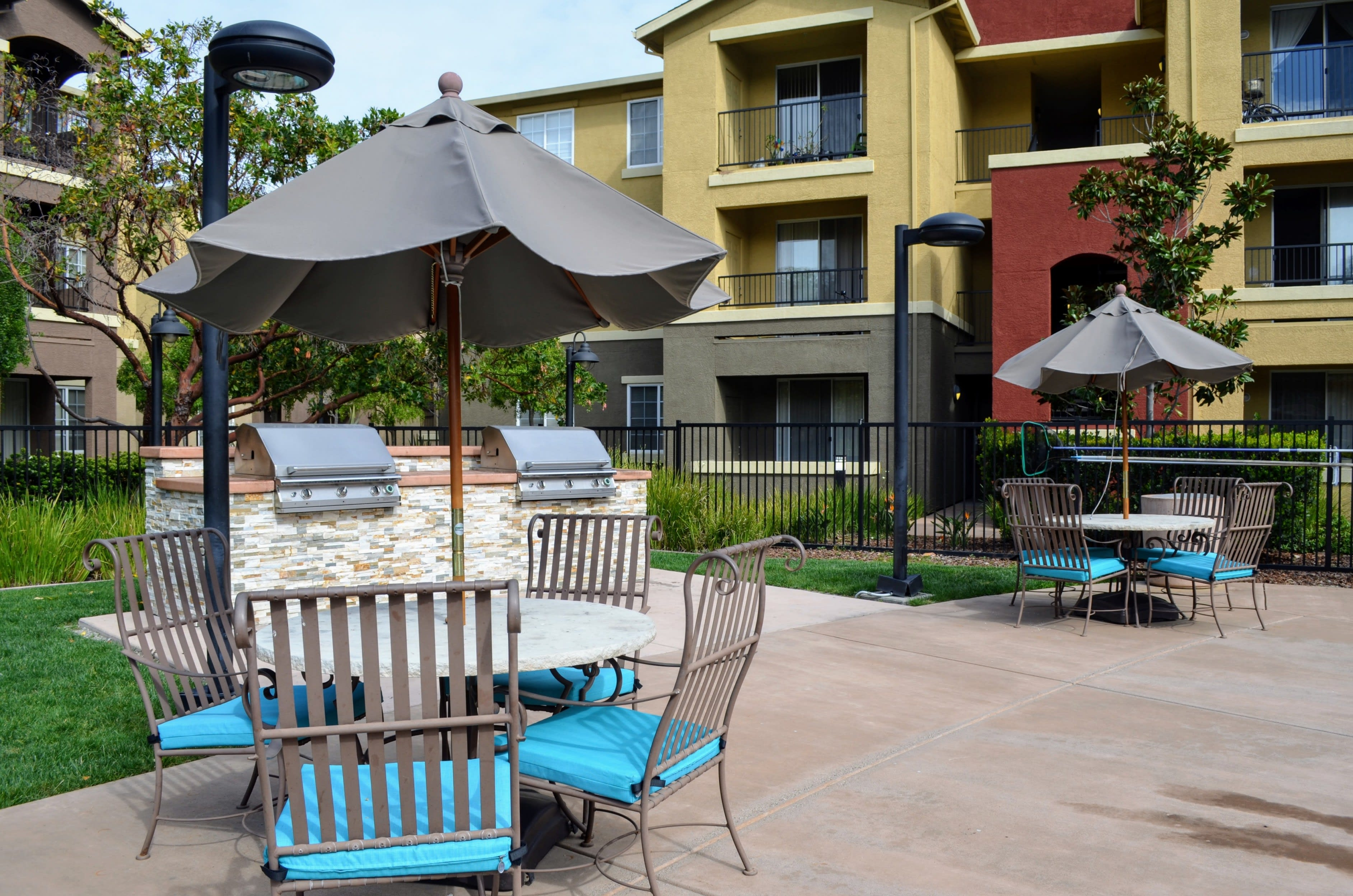Outdoor Grilling and Dining Area at Sterling Village Apartment Homes, Vallejo, California