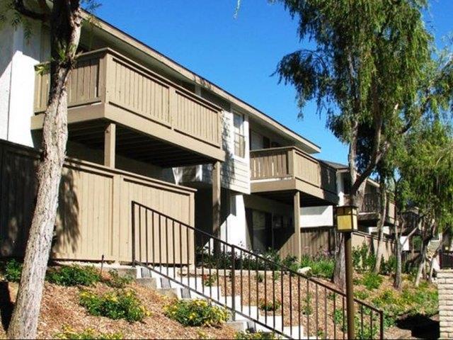 Courtyard View at Stoneridge Apartments, Upland, CA,91786