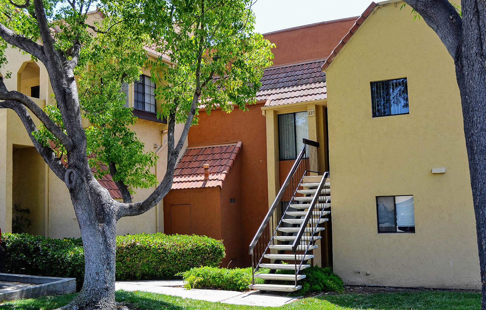 Rent Apartments in Chula Vista   Canyon Villa