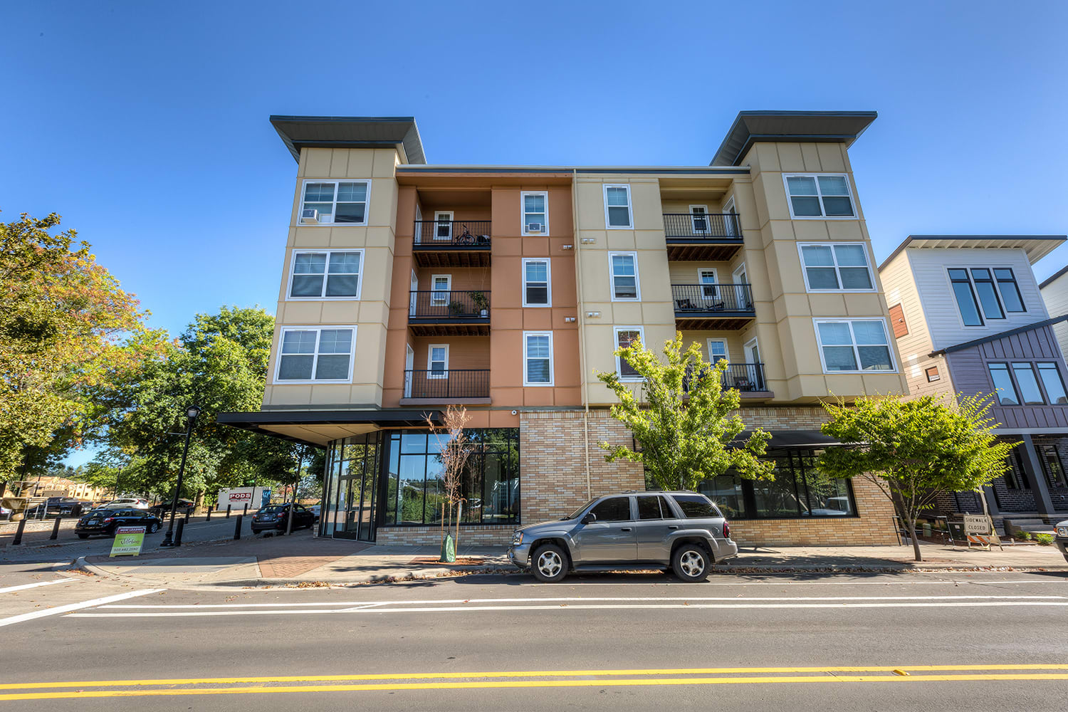Easy Access to I-5, I-205 and Highway 217 at Domaine at Villebois Apartment Homes, Wilsonville, 97070