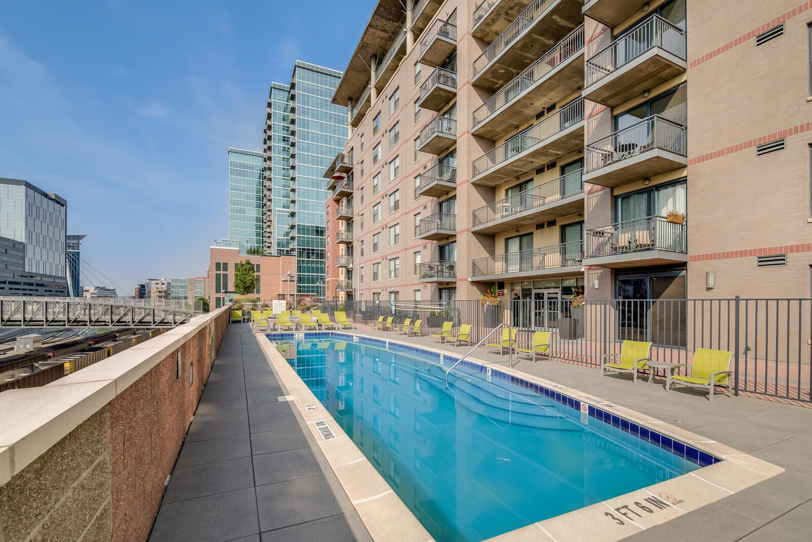 The Manhattan by Windsor | Luxury Apartments in Denver, CO ...