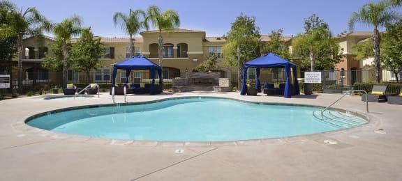 Swimming Pool With Sparkling Water at Santa Rosa Apartment Homes, Wildomar, California
