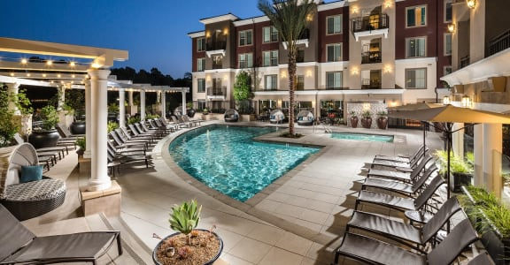 Ave_5_Adagio_Pool_Twilight_Mission Viejo