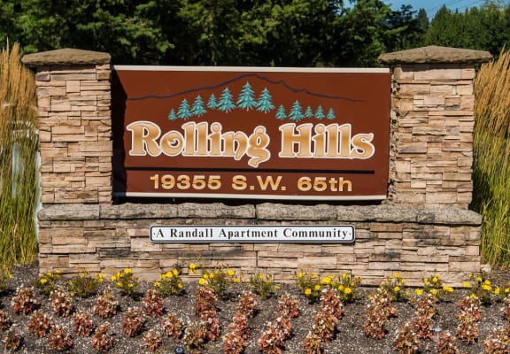 Rolling Hills Property Entry Monument Sign