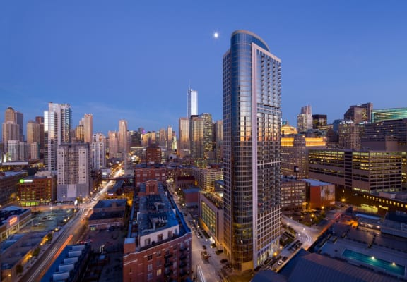 Pets Safe Community at Hubbard Place, Chicago, IL. 360 Degree Views to Amaze, and the best place to live in Chicago.