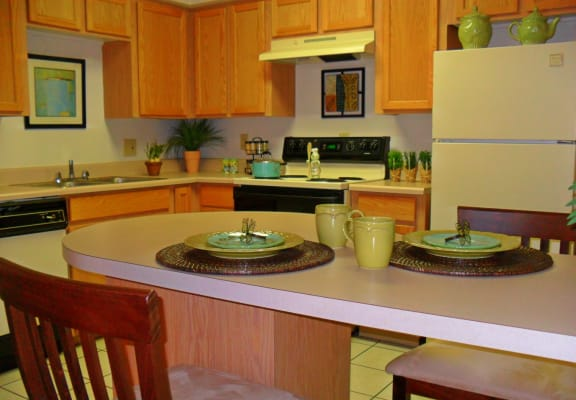 Kitchen at Sierra Pointe Apartments in Tucson, AZ