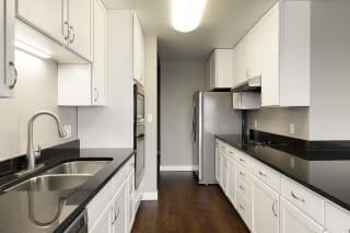 Kellogg Square Apartments in St. Paul, MN 2 Bedroom plus Den, 2 Bathroom Apartment
