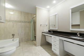 Kellogg Square Apartments in St. Paul, MN 2 Bedroom plus Den, 2 Bathroom Apartment Bathroom