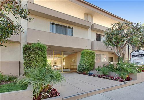 Crown Encino Apartment Homes property image