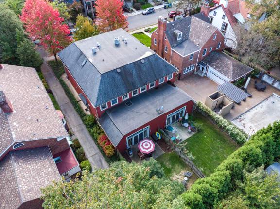 sister property image