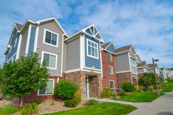 Colonial Pointe at Fairview Apartments property image