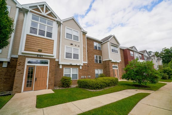 Orchard Lakes Apartments property image