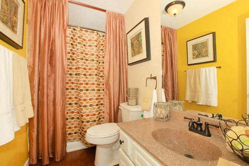 granite at tuscany hills apartments san antonio palazzo bathroom