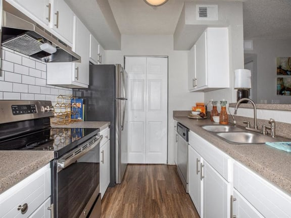 jackson square tallahassee apartments model home kitchen