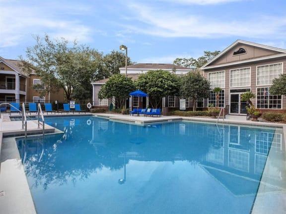 tallahassee apartments pool